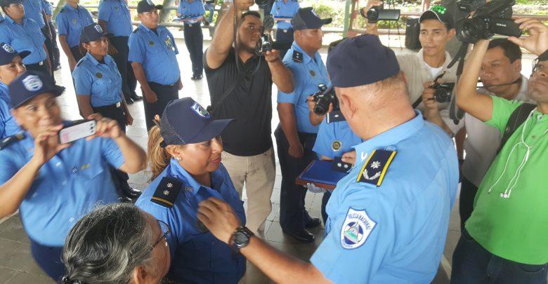 Aurelia Flores fue ascendida a inspectora.