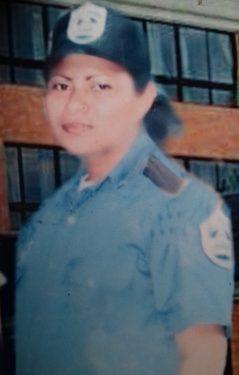 La sub oficial Reyna Petrona Almendárez.
