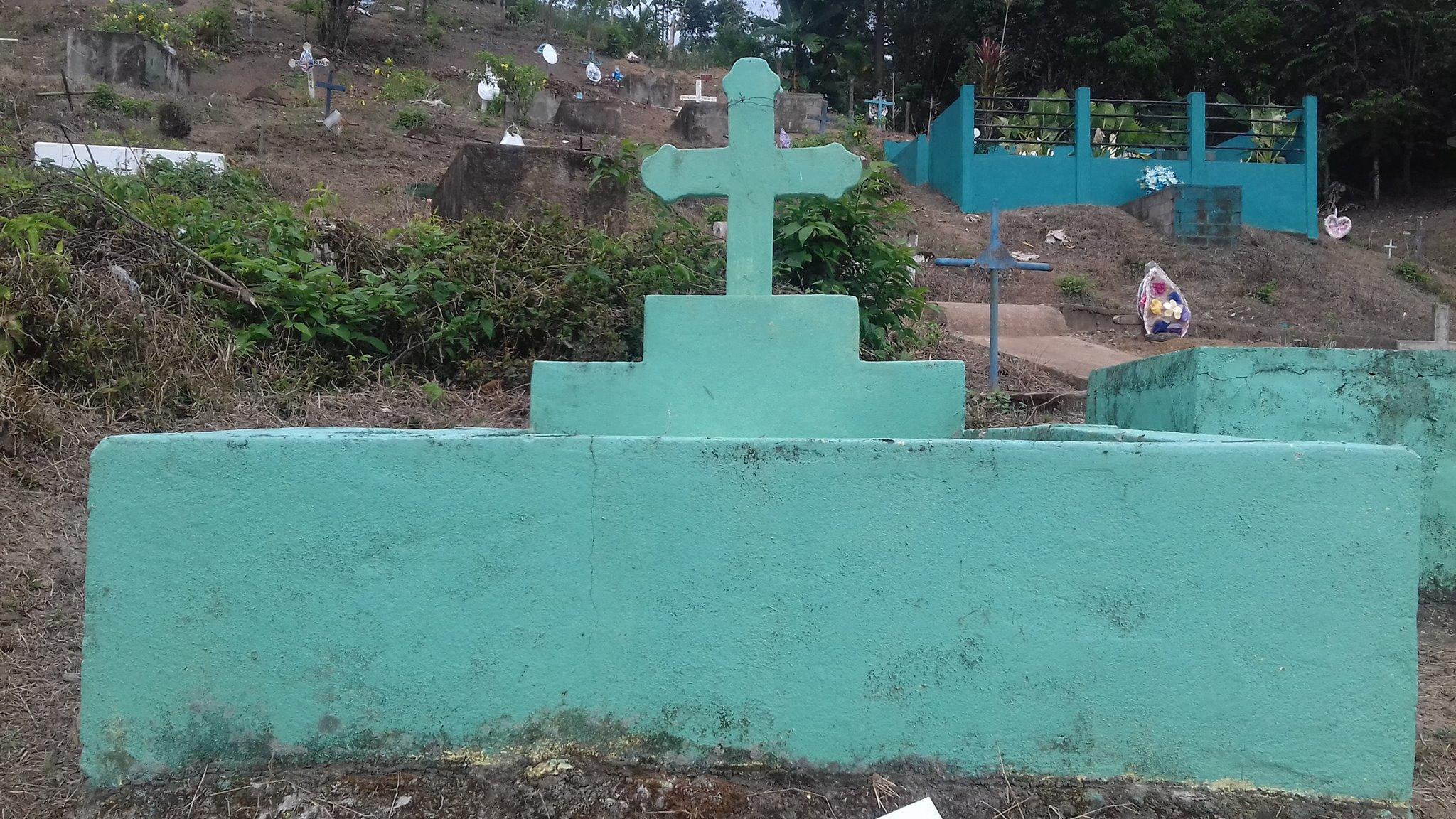 Aquí descansan los restos de Reyna Petrona.