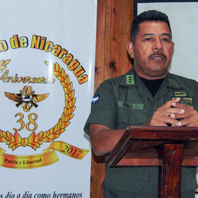 Coronel Rafael Antonio Varela Romero, jefe de esta unidad militar en una conferencia de prensa sostenida en Siuna,