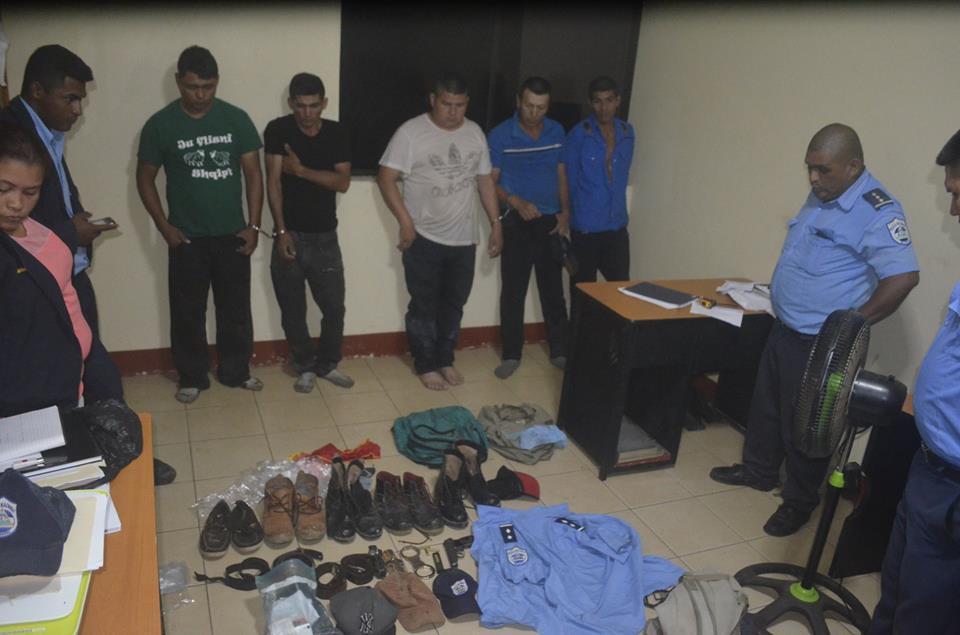 • Habían cometido un millonario robo en una comunidad de Rosita, donde llegaron haciéndose pasar por oficiales de la Policía Nacional.