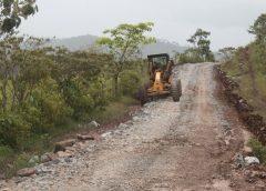 Millonaria inversión para construir caminos productivos en Bonanza