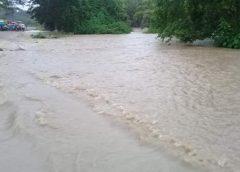 Anegaciones y ríos desbordados primeros efectos del sistema de baja presión en Caribe Norte