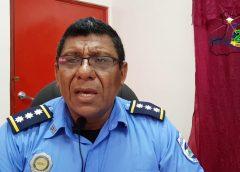 Jefe policial reconoce aporte social de Radio URACCAN en sus 20 años al aire