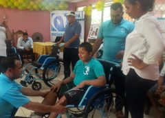 Entregan Sillas de ruedas a personas con capacidades diferentes en Rosita